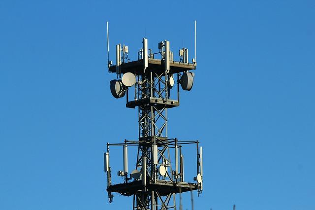 radio-mast-561650_640