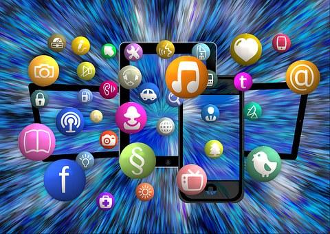 social-media-1453843__340